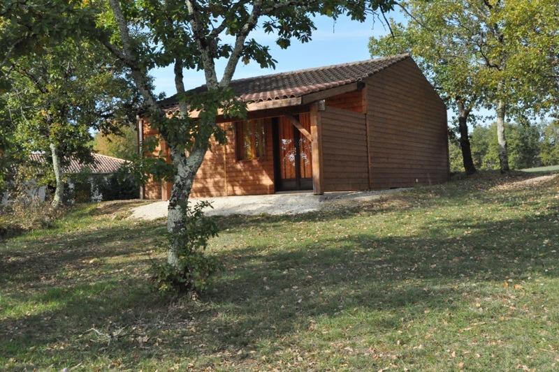 Chalet für 4 pax in Französishem Feriendorf in Dordogne