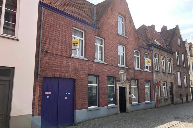 Stadthaus zum renovieren neben dem touristischen Zentrum von Brügge