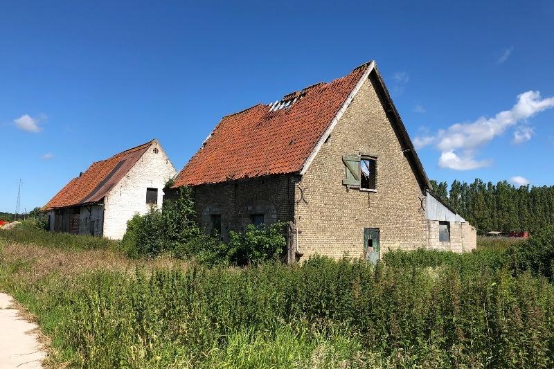 Hoeve De Laere am Stadtrand mit ländlichem Blick zu renovieren
