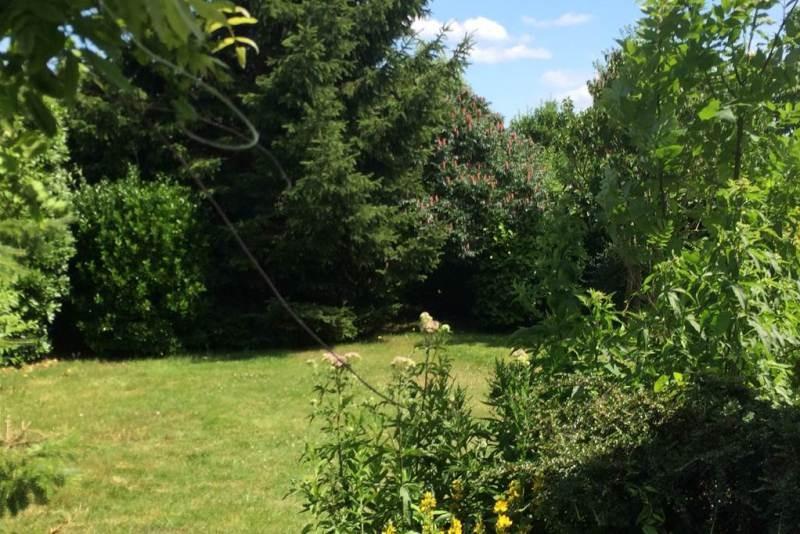 Stattliches Pfarrhaus mit schönem Garten
