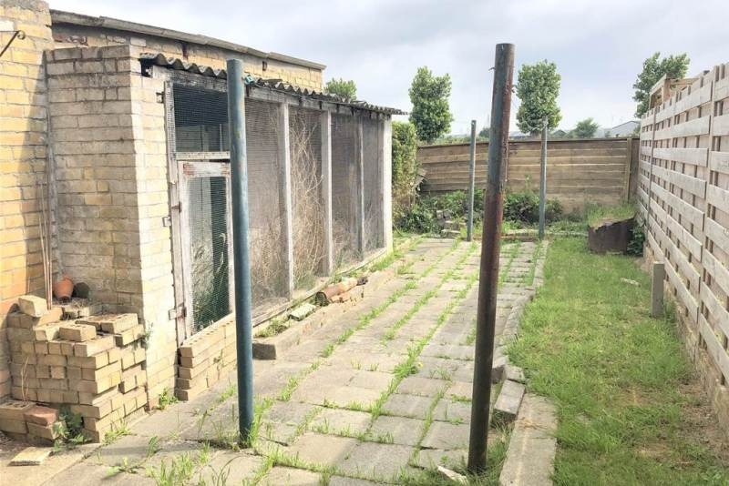 Reihenhaus mit Garagenbox in Zwankendamme zu renovieren