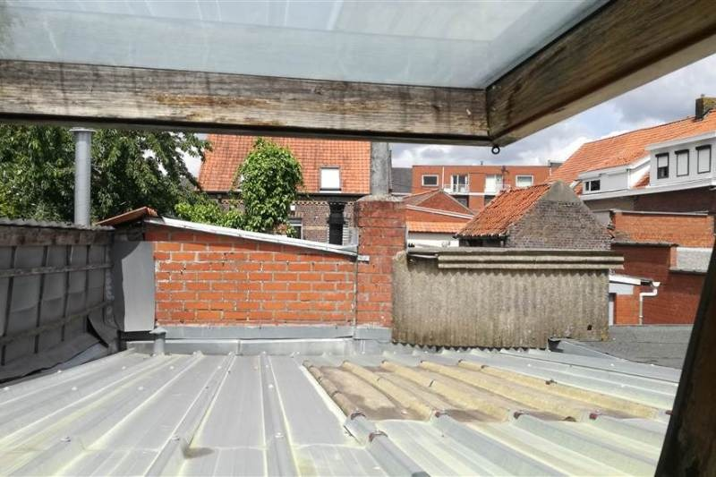 Reihenhaus mit Nebengebäude zu renovieren